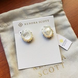 Kendra Scott Matte Morgans Ivory Mother of Pearl